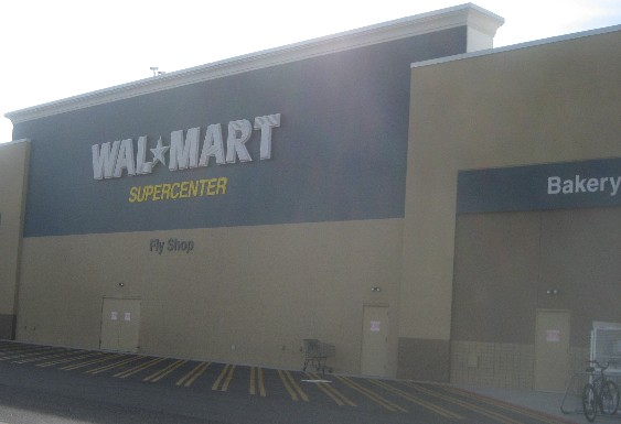 Moscaline fly shop for Walmart with live fish near me